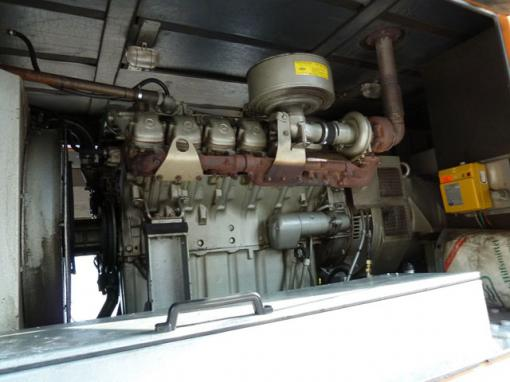 Mobile Silent Diesel Generator Set With Mercedes Om 424 La